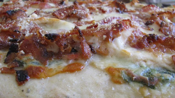 Recipe: Spinach, Bacon, Chicken Pizza