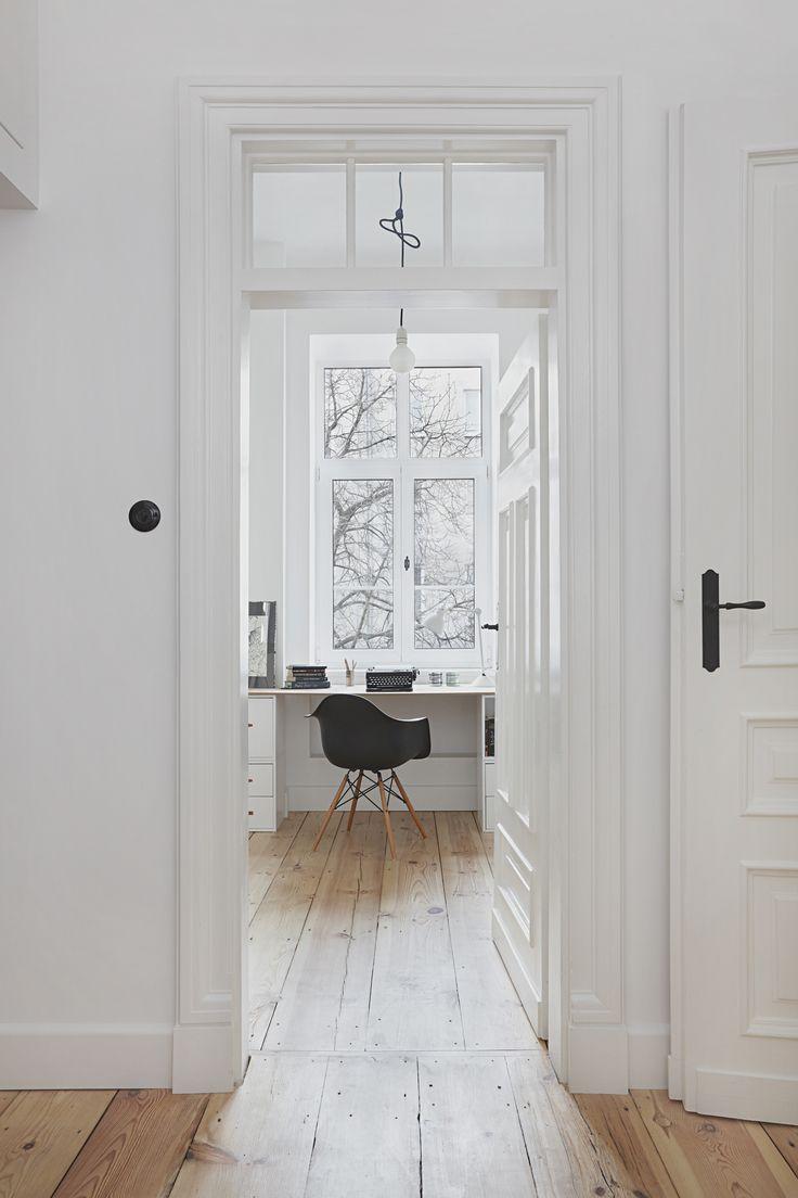 INTERIOR DESIGNER & STYLIST: Agnieszka Suchora / PHOTOGRAPHY & POSTPRODUCTION: Jola Skóra // armchair: Eames / lamp: NAP / drawing: Andrzej Dudziński