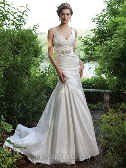 Trumpet/Mermaid V-neck Taffeta Court Train Sashes / Ribbons Wedding Dresses -GBP£167.39