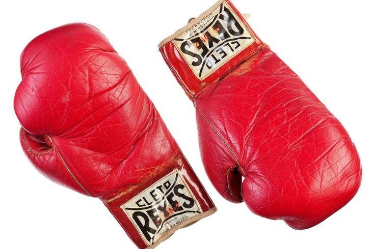 Stallone puts Rocky, Rambo memorabilia up for auction