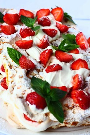 Brita-kakku on yksi kesän ihanista klassikkokakuista. Se on helppo tehdä ja makumaailmaa saa helposti muokattua omaan makuun sopivaksi erila...