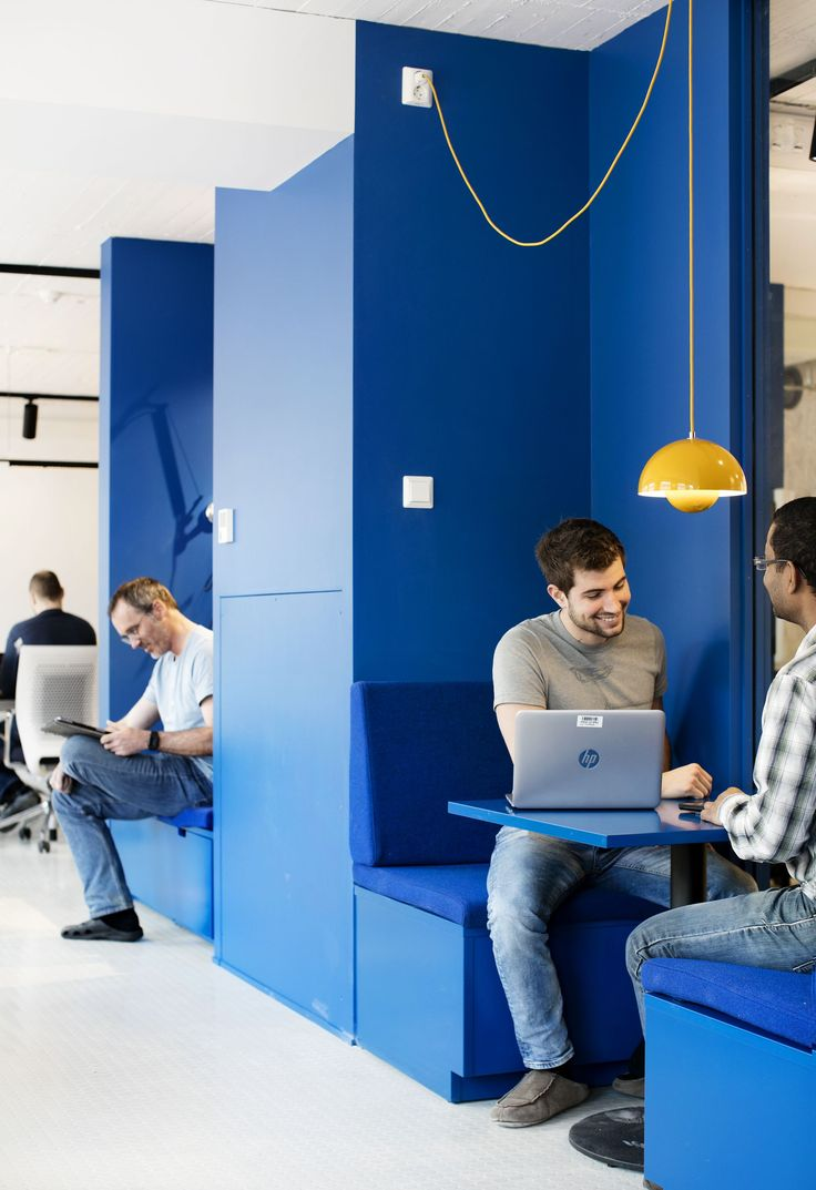 Fixed seating booth at NTNU AI-Lab in Trondheim, Norway // by Romlaboratoriet AS