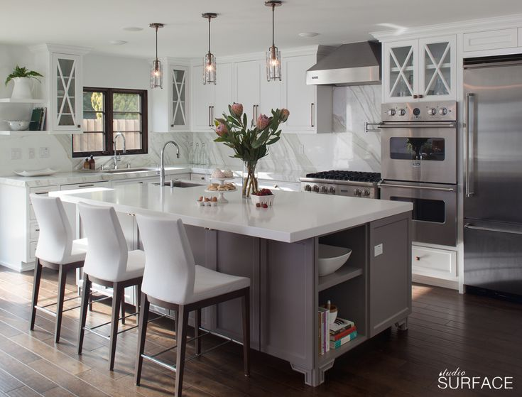 Design by Studio Surface | Fresh & Functional Kitchen | grey island <3
