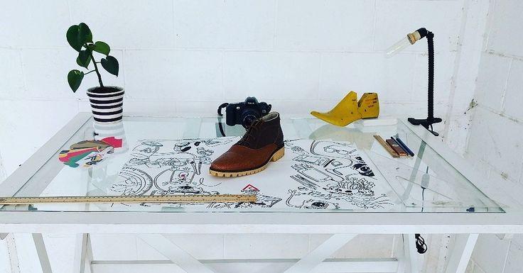 Restirador de madera y cristal   Color Blanco  #style #home #Office #lifestyle #spaces #coolspaces #diseño #diseñomx #design #home #spaces #diseñomx #mobiliario #interiordesign #interiors #creative #minimal #minimalistic #white