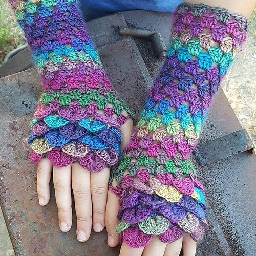 Ravelry: marla3206's Long Crocodile Stitch Fingerless Gloves