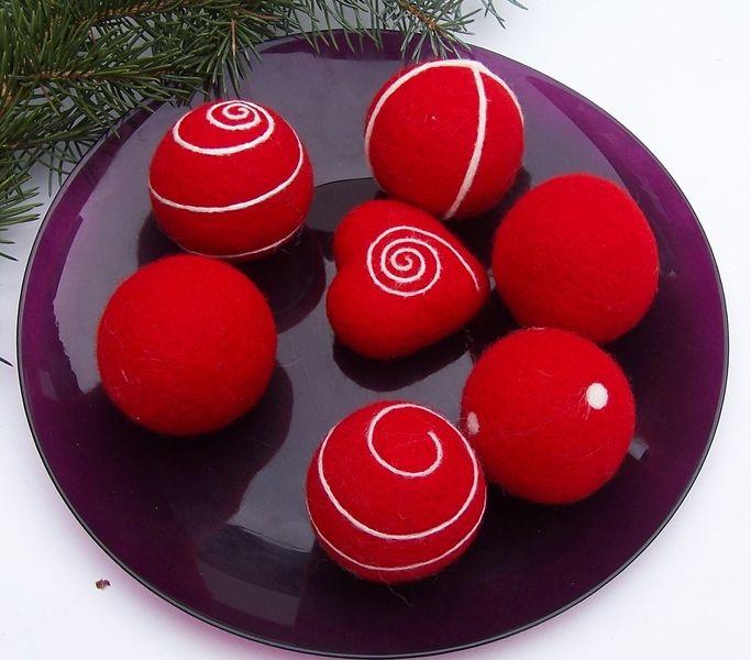 die besten 25 rote weihnachtskugeln ideen auf pinterest deko weihnachten rot. Black Bedroom Furniture Sets. Home Design Ideas
