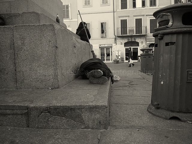 the homeless who rests in piazza dei fiori Roma by Hasen'64®©artist photographer, via Flickr