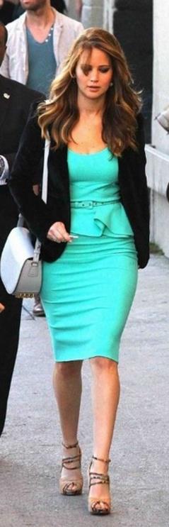 Jennifer Lawrence: Dress – Oscar De La Renta  Purse – Alexander Wang  Shoes – Alexandre Birman