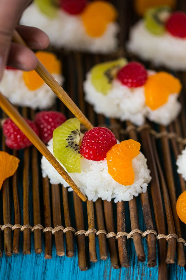 This fruit sushi (frushi) combines sweet coconut rice with fresh fruit, it's the perfect snack or dessert. Kids love it!