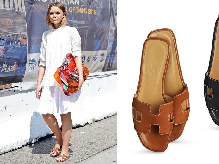 """Kristina Bazan (""""Kayture"""") trägt Hermés Oran Sandalen während der New York Fashion Week"""