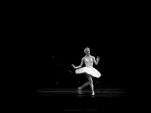Então, da próxima vez que você ver uma bailarina flutuando pelo palco como uma princesa de contos de fada…