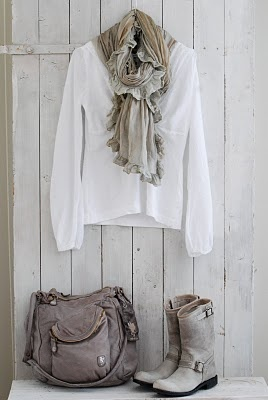 can't go wring with a white shirt, scarf, over-sized bag and boots!