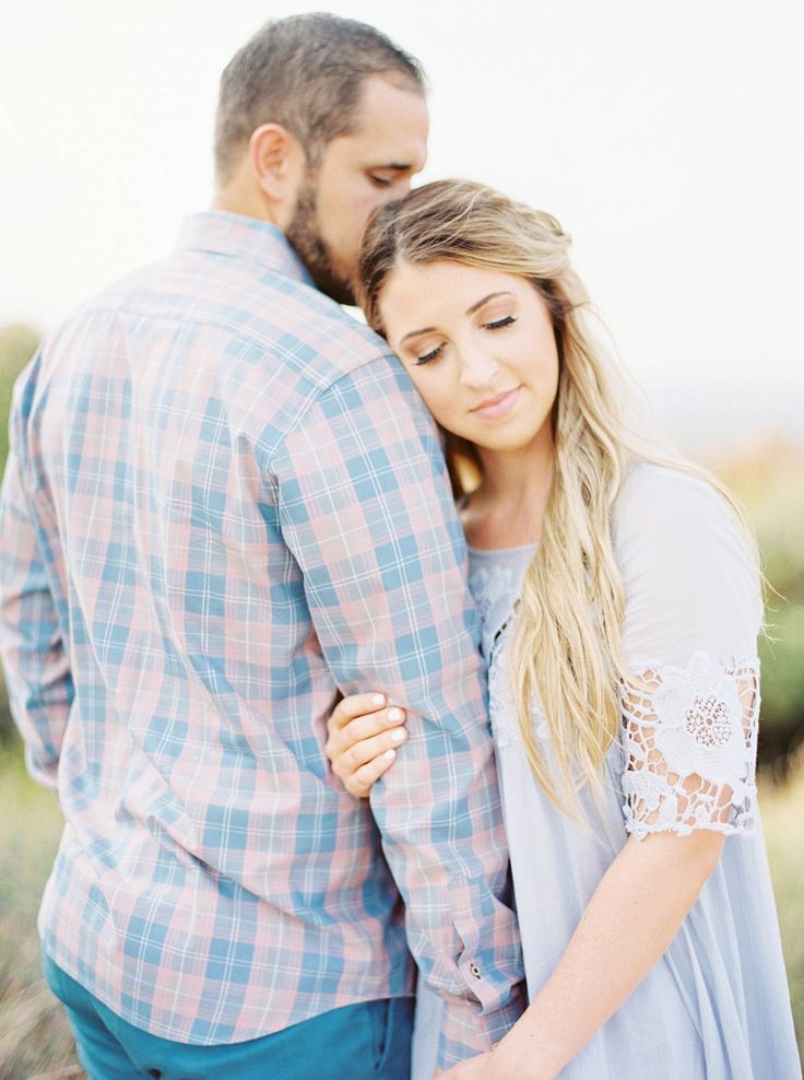 Beautiful Texas Hill Country Engagement Photos with horses | Blanco – engagement