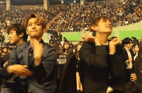 My two ultimate biases in a gif?!? I'm screaming  Byun Baekhyun | Kim Taehyung