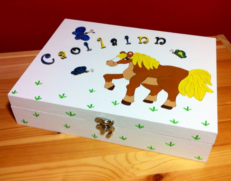 Perfect box for horse loving girl