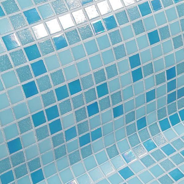 Les 25 meilleures id es de la cat gorie mosaique piscine for Piscine mosaique noire
