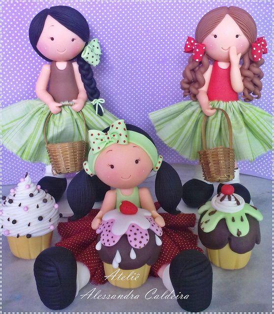 Bonecas!! by Atelier Alessandra Caldeira, via Flickr