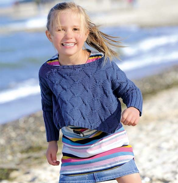 Схема и описание вязания на спицах укороченного пуловера для девочки из журнала «Verena. Модное вязание» №5/2014