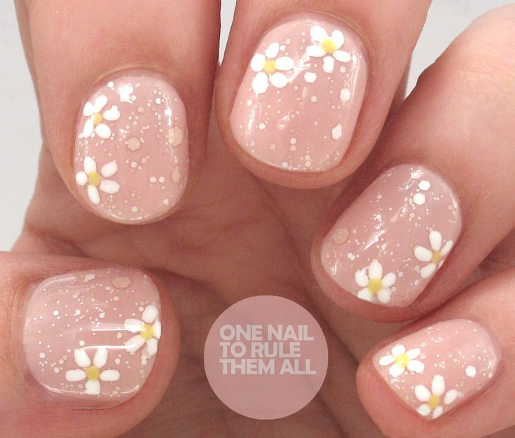 One Nail To Rule Them All: OPI Nail Envy Strength & Colour - Bubble Bath Daisies