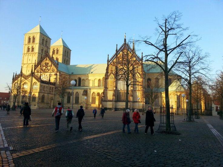 De Dom in Münster, waar we vorig jaar met de 3e klas naar de kerst markt gingen.