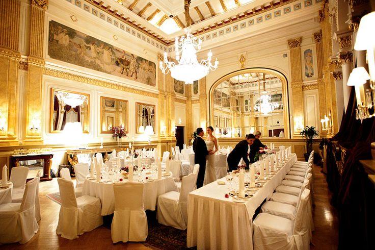 Hotel Kämp Mirror Room, photo by Oka Morikawa, www.okamorikawa.com