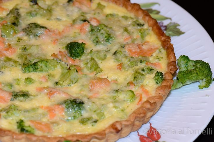 Quiche con salmone e broccoletti