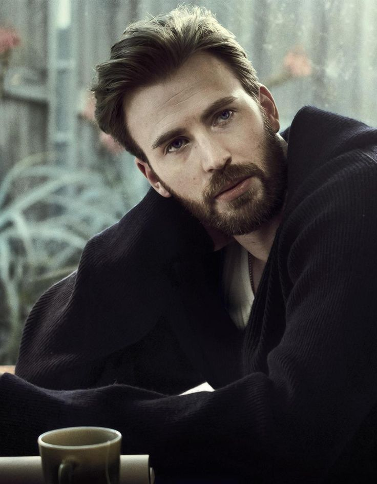 Chris Evans for Esquire April 2017. For me best looking famous person. Lol