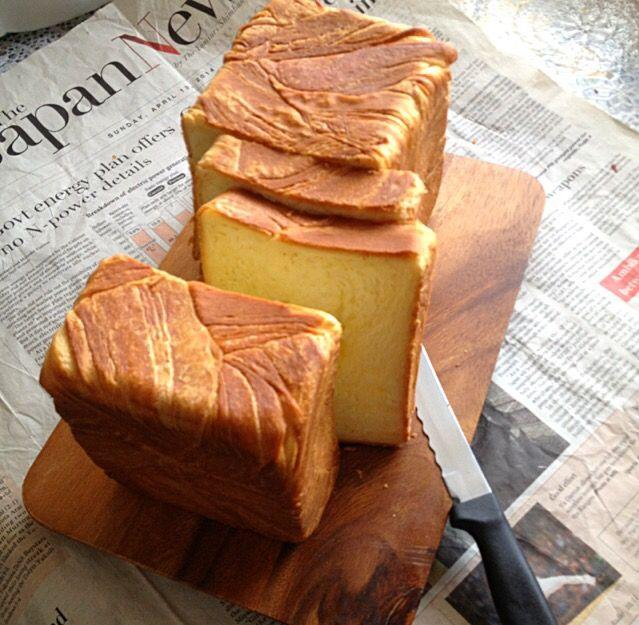 去年 買ったバターで デニッシュ食パンを作ってみました、バターを折込んだ甘いリッチなパン、バター不足の世の中、今年の1本になりそうな予感です… - 420件のもぐもぐ - デニッシュ食パン by Yukiko 1008