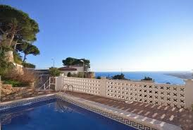 There are many other places Some reasons why Spain villa holidays are memorable.Holidays in Spain are very enthusiastic for the travellers.