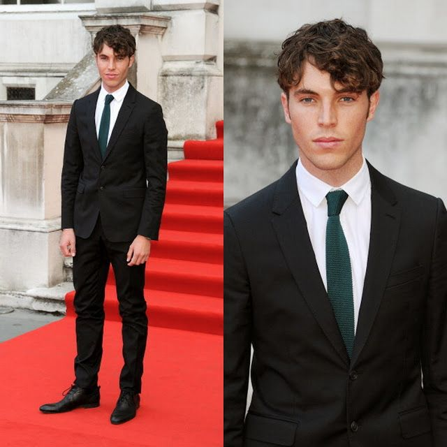Tom Hughes it's not physically possible for a guy to look more gorgeous than him... Perfection