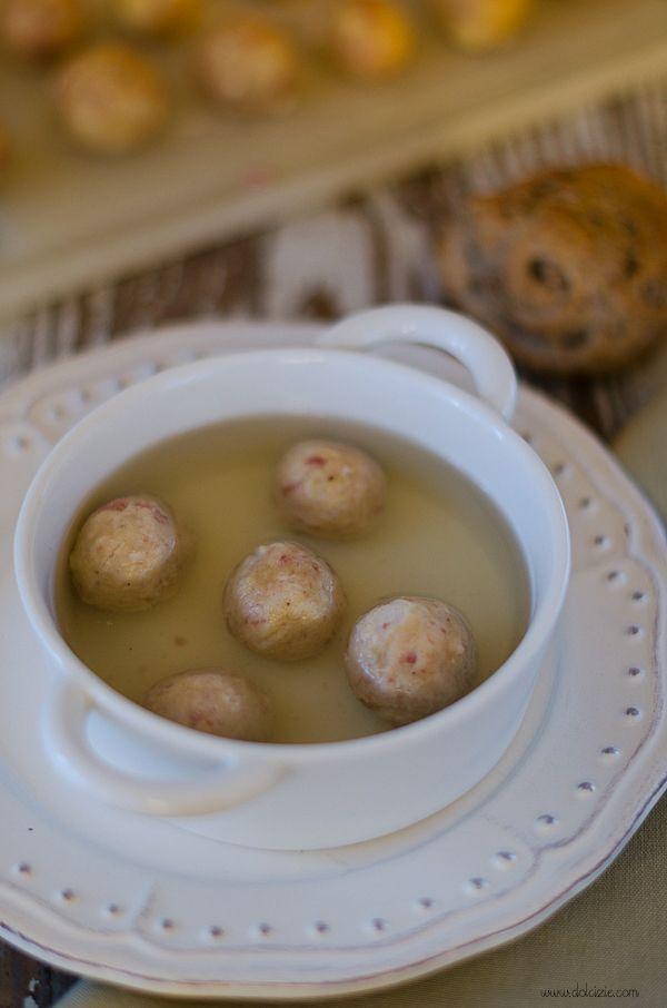 Dolcizie... le mie dolci delizie !: Canederli Speack, Salame e Formaggio Asiago - MTC Challange #44