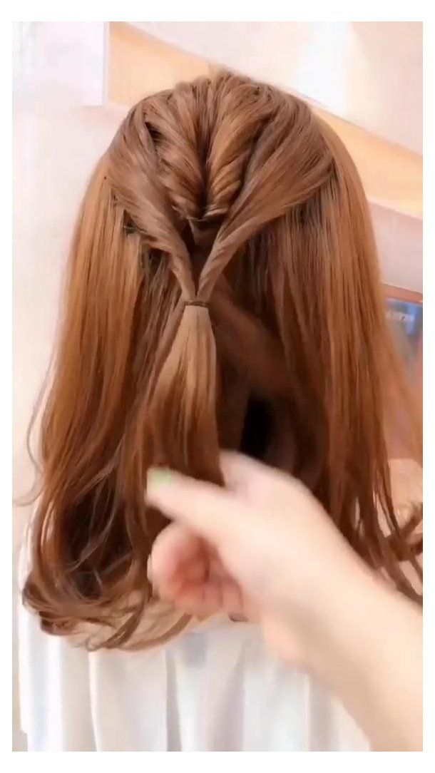 5 Hair Tutorial Videos How To Style Hair Videos Easy Ponytail Hairstyles For Long Hair In 2020 Easy Hairstyles For Long Hair Long Hair Styles Medium Hair Styles