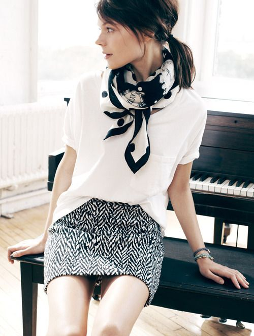 Black and white minimalist outfit. White tee, zigzag skirt and polka dot square scarf.