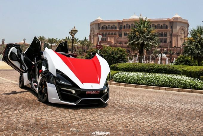 Supercar Lykan Hypersport