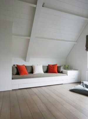 Chillruimte en extra logeerplek op zolder
