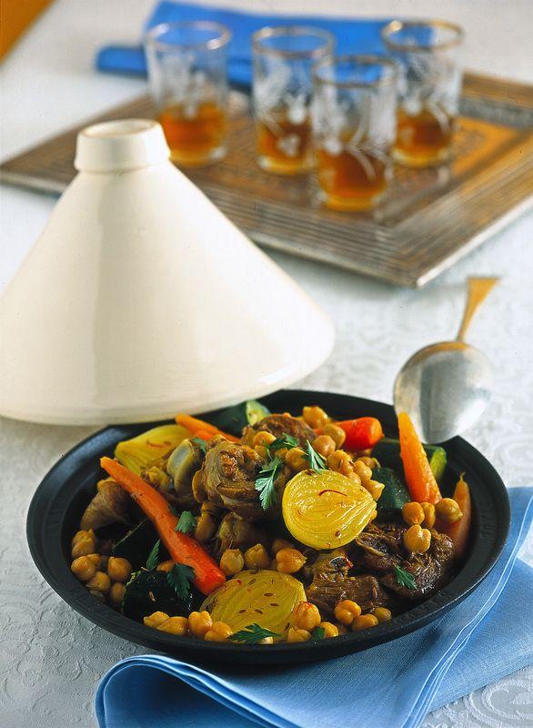 Tajine of lamb with vegetables and chickpeas - Tajine di agnello con verdure e ceci