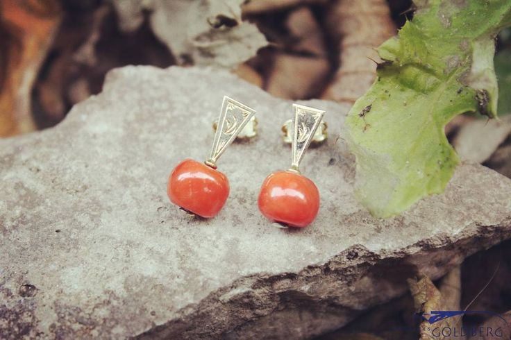 Vintage silver earrings with red coral. -  goldbergjuweliers#vintage#gold#earrings#bloodcoral#womansaccessories#ladiesfashion
