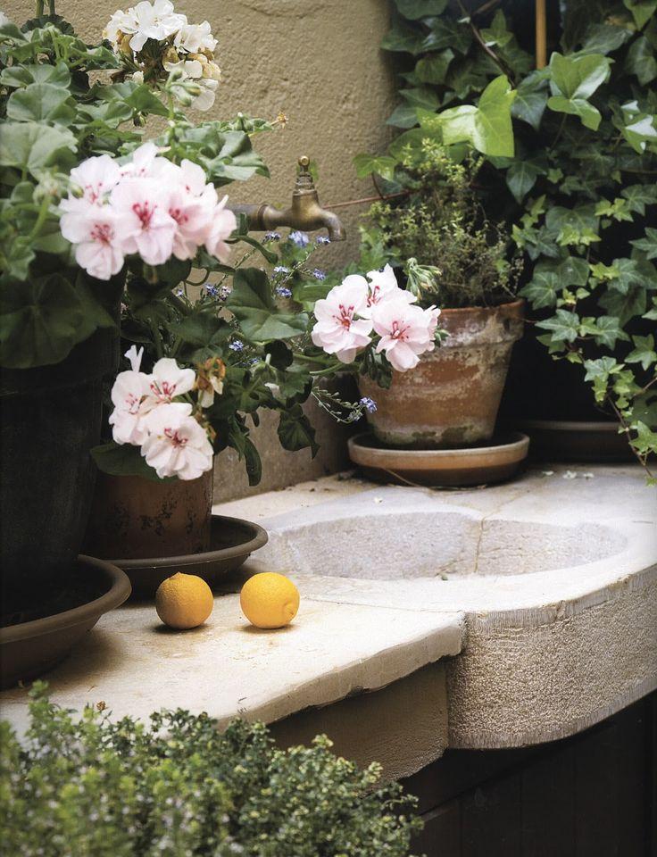 Love this garden sink!
