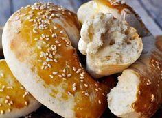 Simit ciambelle di pane turco al sesamo