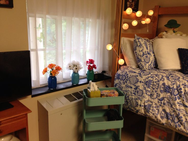 Dorm Decorating I Adore The Mason Jars In The Window Its A Nice Little Pop  Of Color In A Drab White Dorm Room Part 86