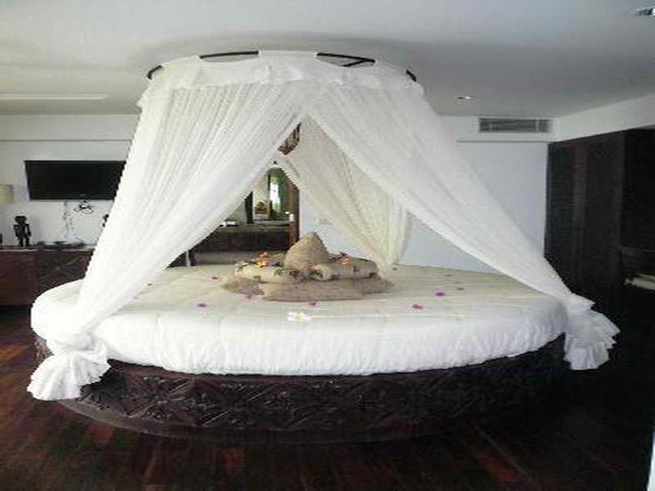 36 best images about round beds on pinterest hanging for Bedroom designs round beds