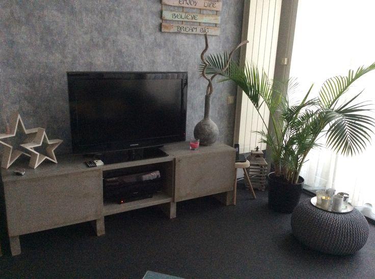Ikea meubel , bewerkt met krijtverf en donkere wax