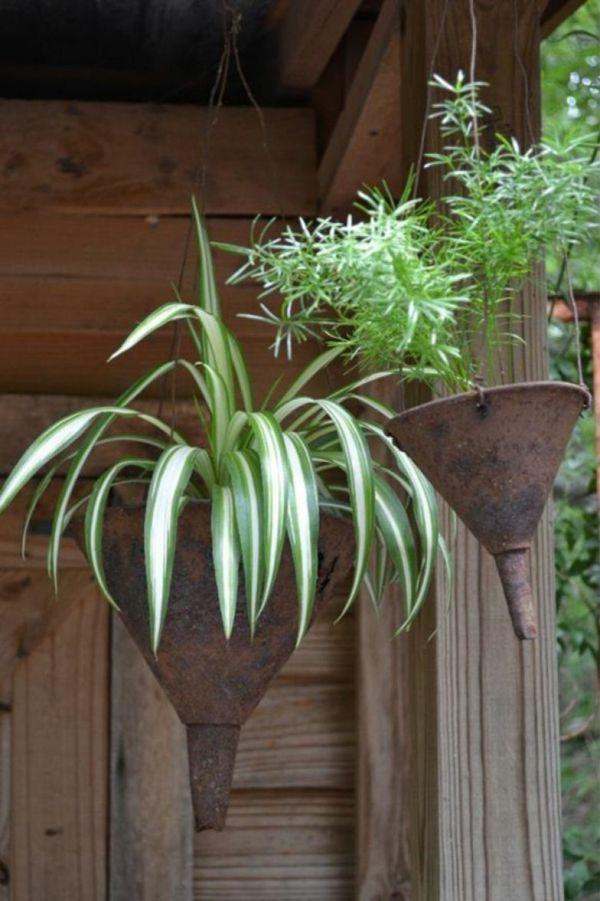 id e d co jardin m tal rouill entonnoir pot de plante. Black Bedroom Furniture Sets. Home Design Ideas