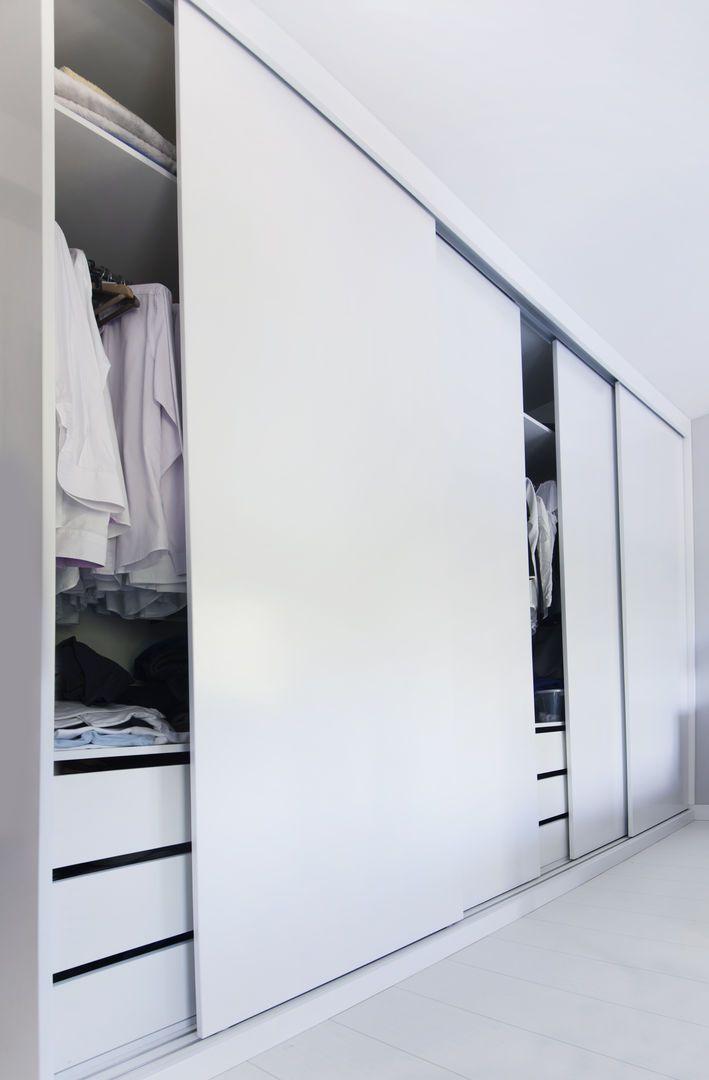 Meble na wymiar Katowice / Mysłowice  nowoczesne , szafa przesuwna , minimalizm , rozwiązania , total white , wnętrze , garderoba , zabudowa wnęki , biały lakier , meble na wymiar