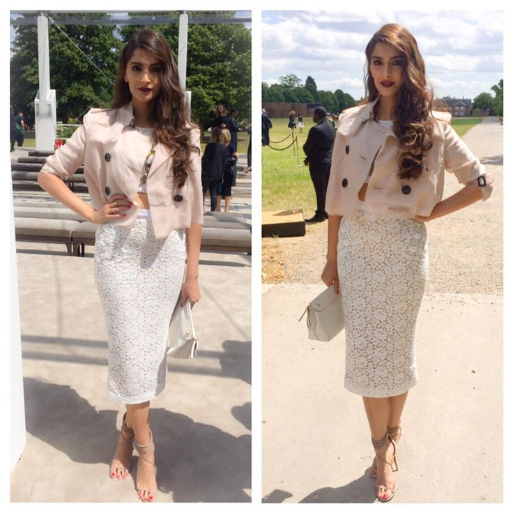 Sonam Kapoor attends the @Burberry SS16 Men's Show in London #SonamKapoor #Burberry #CRcelebs #CRpublicity