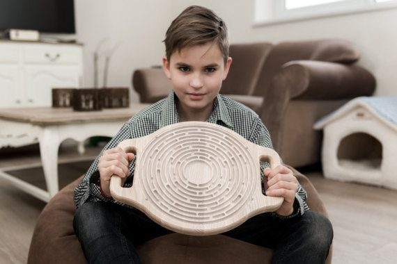 Wooden maze game - Wooden labyrinth game - Educational wooden toy - Circle maze game - Round labyrinth game - Logical toddler game
