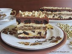 Łącki przekładaniec - ciasto orzechowe z pijaną śliwką