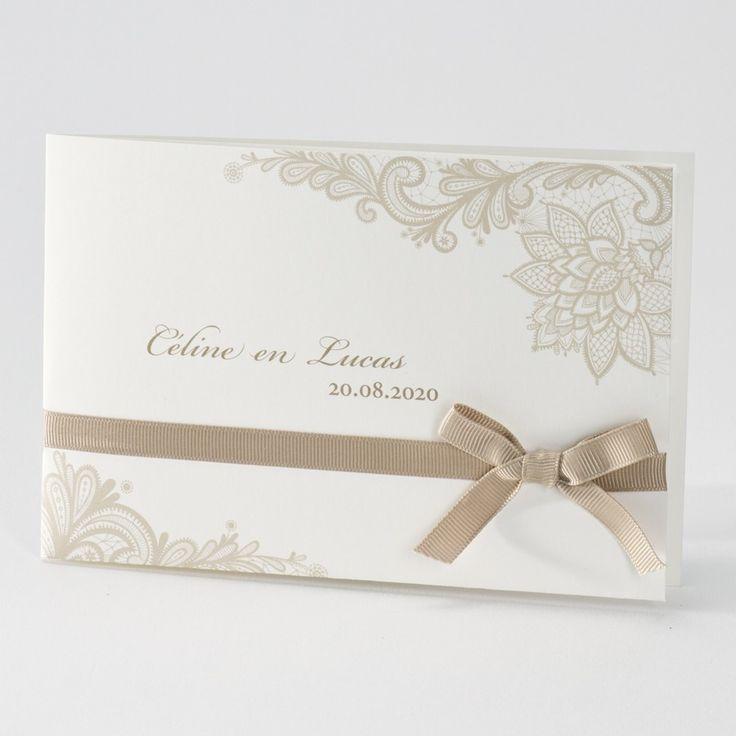 Crème trouwkaart met sierlijk kantmotief
