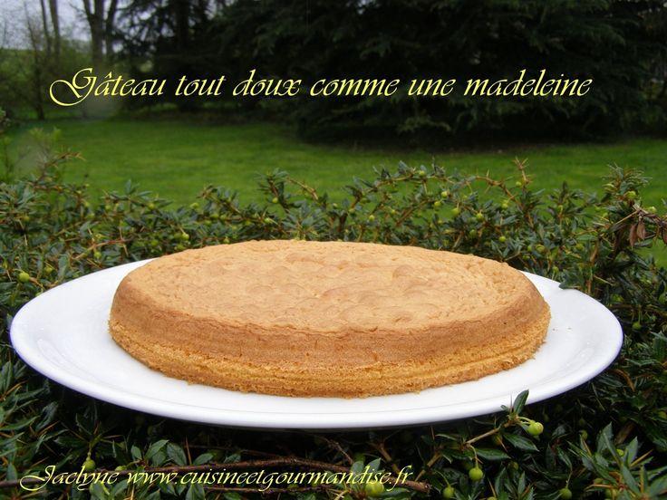 Gâteau tout doux comme une madeleine Jaclyne www.cuisineetgourmandise.frEn préparation pour faire des madeleines,mon élan à légèrement dérivé :)2 oeufs entiers   1 jaune, conservez le blanc100 g de sucre en poudre120 g de farine T45100 g de beurre doux1...