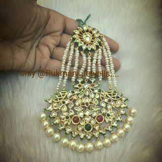 #traditional #jadau #kundan #mughal big Swan #jhoomar #paasa only @ #rukmanijewells  #silver based with #goldmicronplated with #highquality #semiprecious #stones & #freshwaterpearls #piroi  #indianwedding #indianbride #punjabibride #bandbaajabride #sabyasachibride  For more details enquiry please call or whatsapp on +919327027130 Shipping worldwide available.
